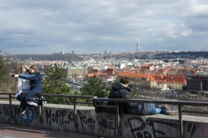 расставаться с Прагой