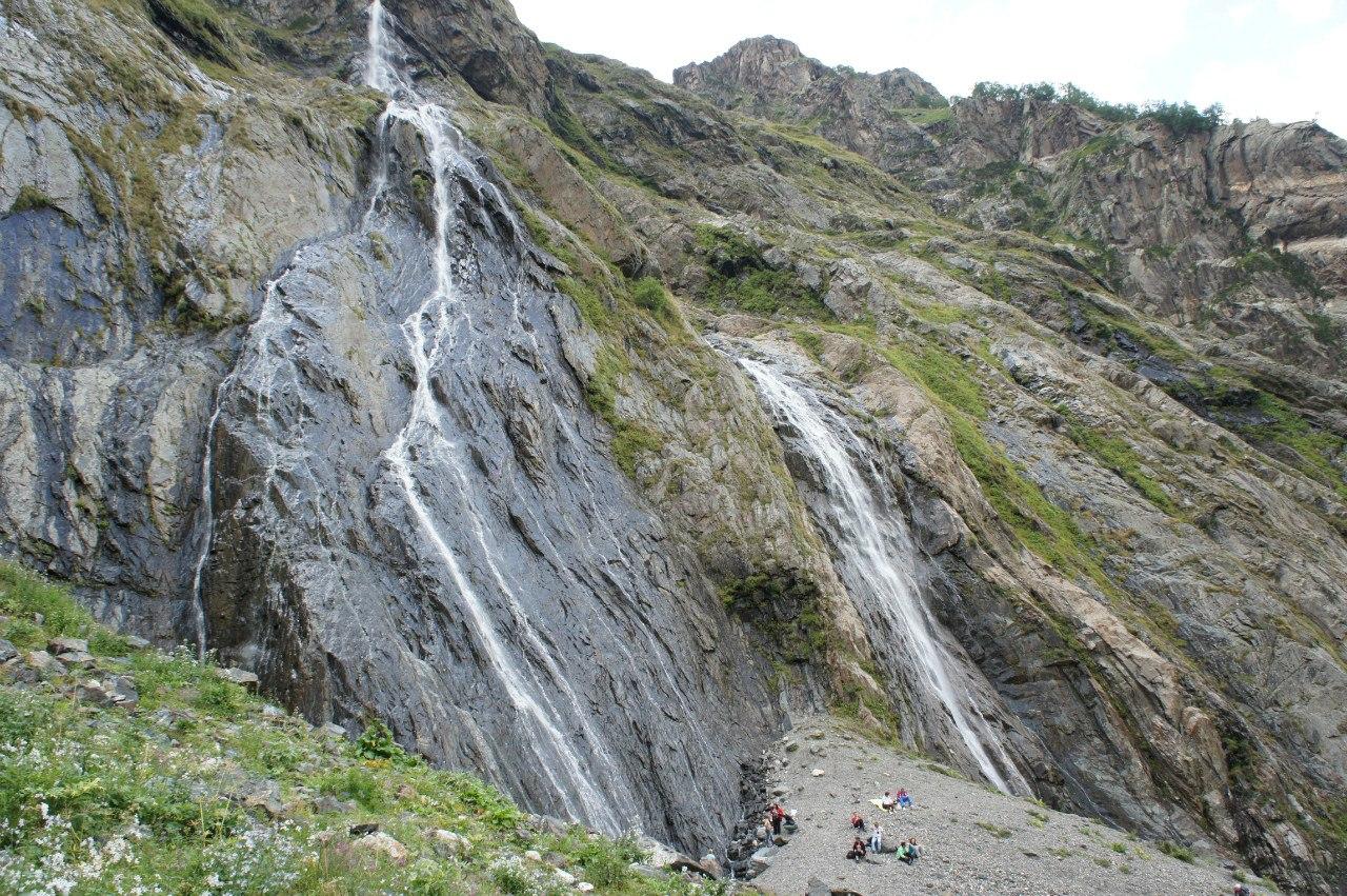 водопады в Домбае